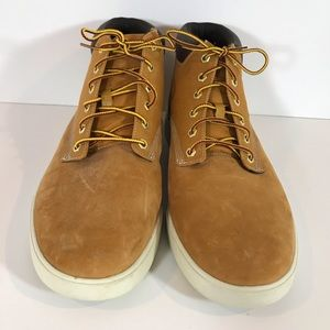 Timberland Davis Square leather and fabric chucks